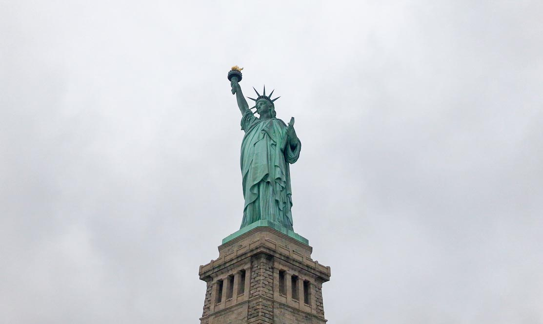 Estatua de la Libertad desde abajo
