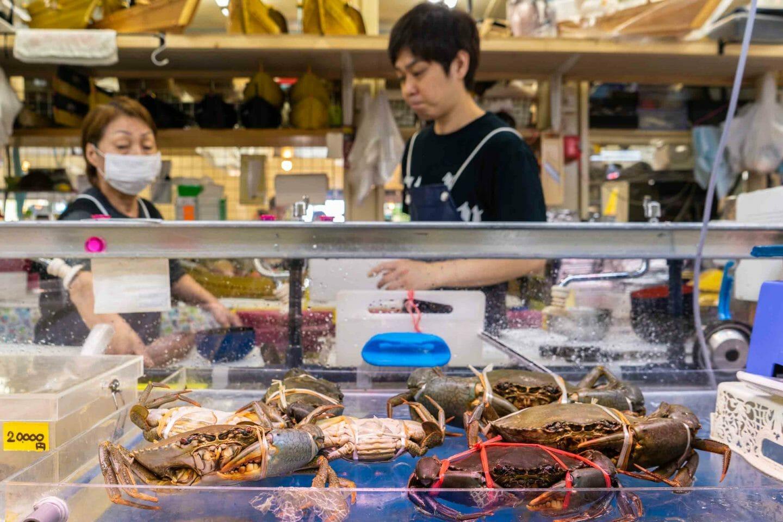 Marisco en el mercado de Makishi