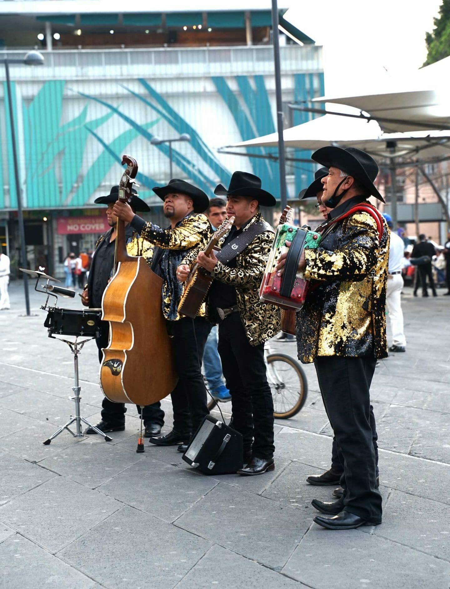 mariachis-garibaldi